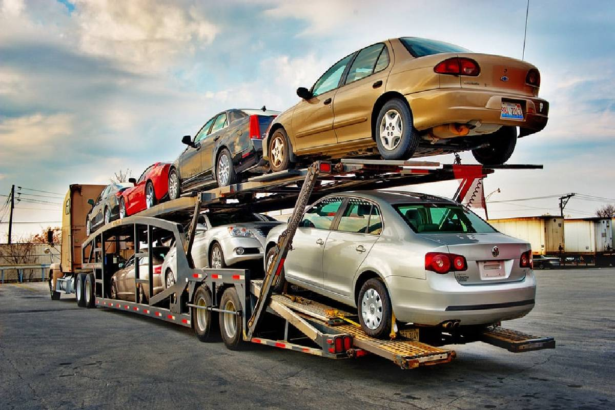 What is Car Hauling? – Definition, Tips, and More
